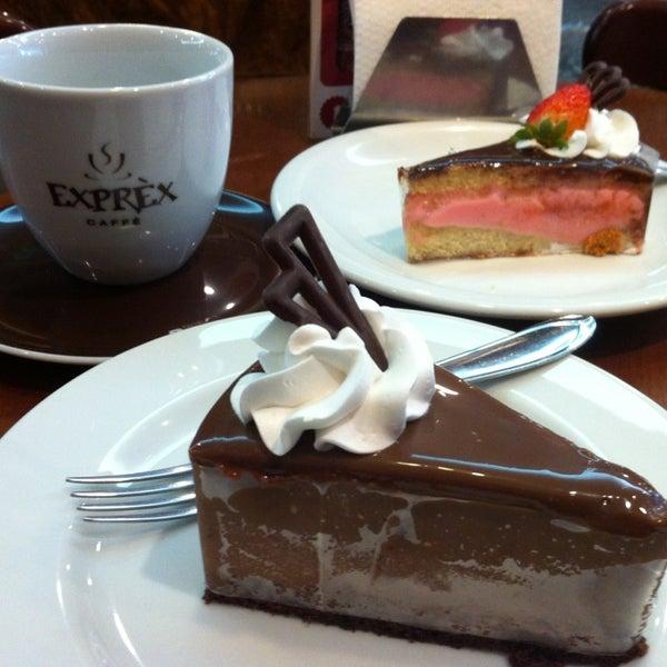 รูปภาพถ่ายที่ Exprèx Caffè โดย Patty Yumi เมื่อ 5/17/2013