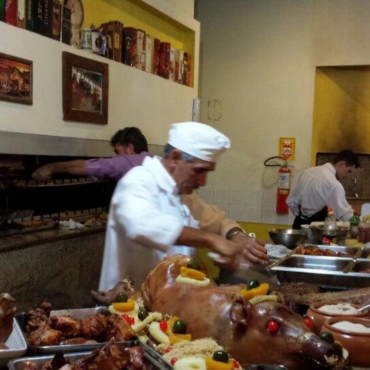 Foto tomada en Torquês Restaurante por Bianca S. el 4/20/2014