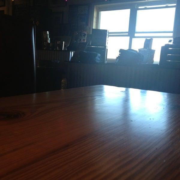 2/9/2013 tarihinde Art S.ziyaretçi tarafından Oskar Blues Brewery'de çekilen fotoğraf