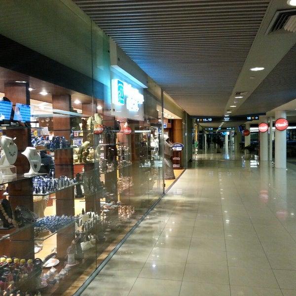 Foto tomada en Aeropuerto Internacional Comodoro Arturo Merino Benítez (SCL) por Hernan F. el 7/16/2013