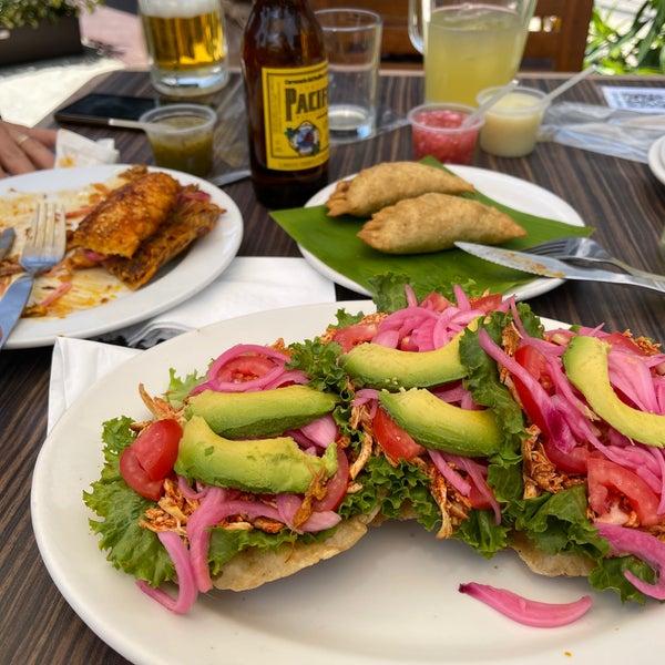 Mi nuevo lugar favorito de la CDMX❣️ Todo está D E L I C I O S O‼️                           Tacos, cerveza, hamburguesa, agua de mango, café, Que se le ofrece? Todo lo tiene. Amantes de la cochinita.