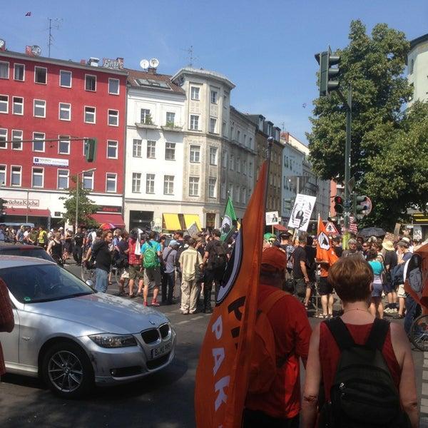รูปภาพถ่ายที่ Critical Mass Berlin โดย Fabio R. เมื่อ 7/27/2013