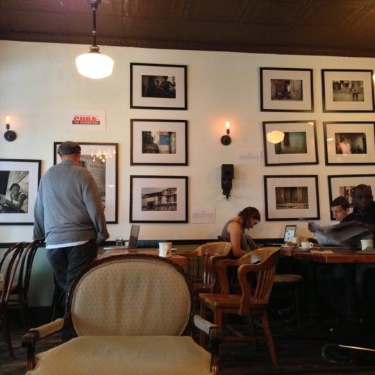 9/29/2012にBrian W.がLenox Coffeeで撮った写真