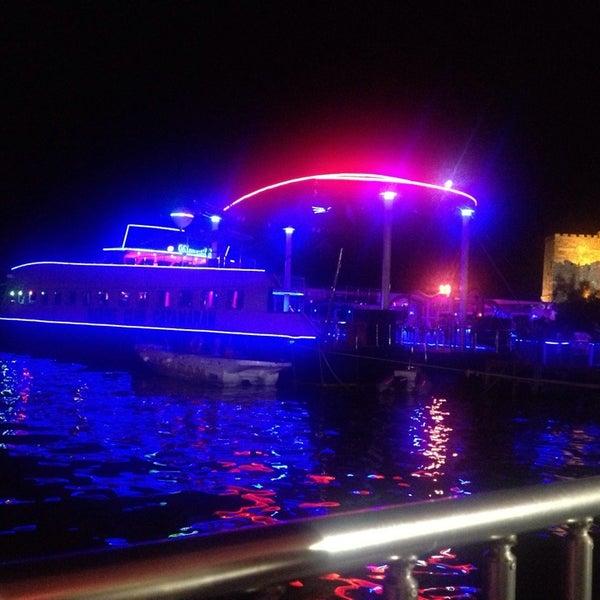 Foto scattata a Club Catamaran da Mutlu S. il 7/9/2013