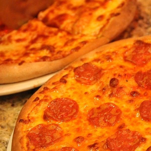 Foto tomada en Da Noi Pizzeria Ristorante por Jonas P. el 11/25/2013
