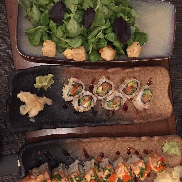 Foto scattata a Yada Sushi da Seher H. il 1/18/2020