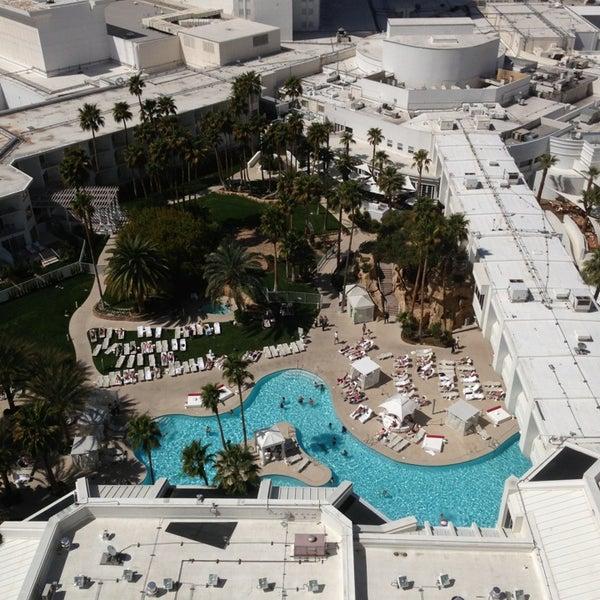 Снимок сделан в Tropicana Las Vegas пользователем Chris V. 3/25/2013