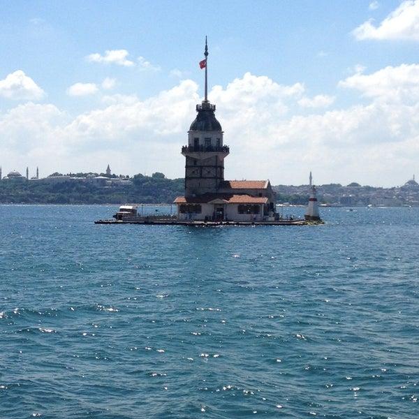 6/9/2013にÖzlem Ç.がKız Kulesiで撮った写真