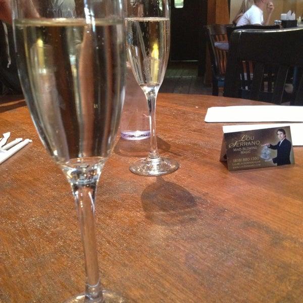 Foto tirada no(a) Mo's Restaurant por Jessica C. em 2/17/2013