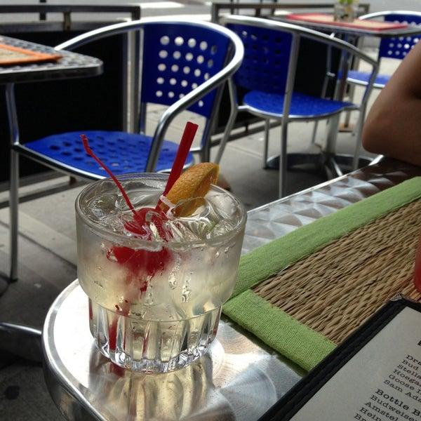Das Foto wurde bei Opal Bar & Restaurant von Gozde K. am 6/8/2013 aufgenommen