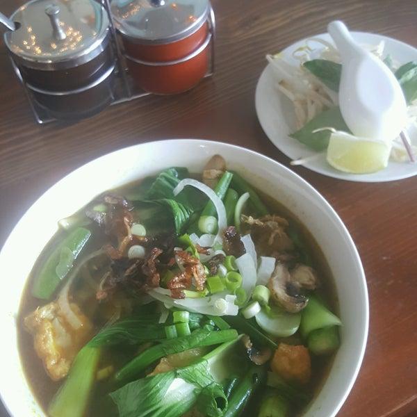 Das Foto wurde bei Falansai Vietnamese Kitchen von Mychal 🍄 am 8/19/2016 aufgenommen