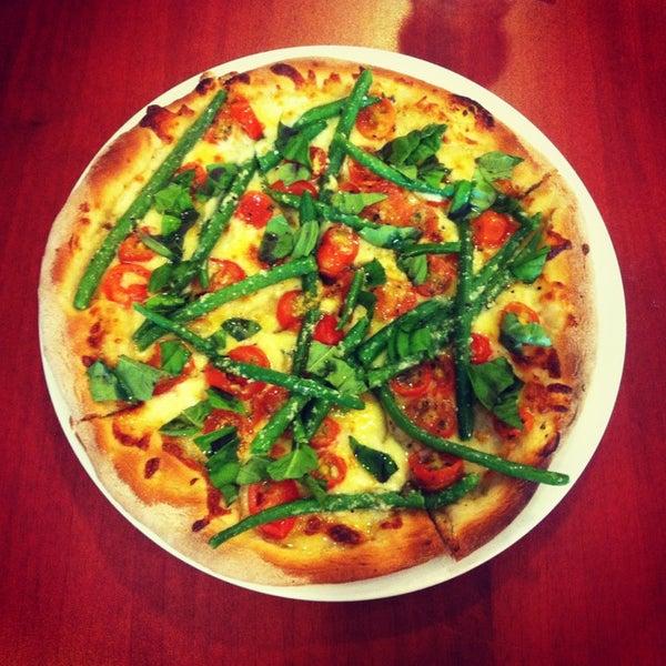 Foto tomada en Da Noi Pizzeria Ristorante por Michela B. el 2/19/2013