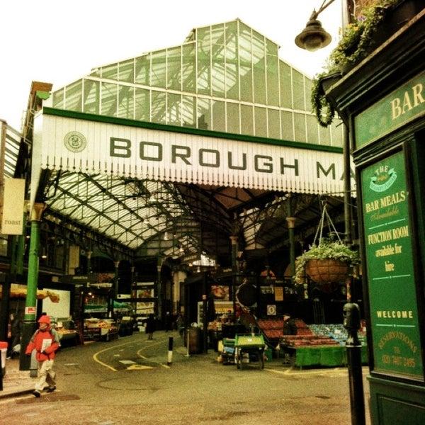 Foto tirada no(a) Borough Market por Art W. em 2/22/2013