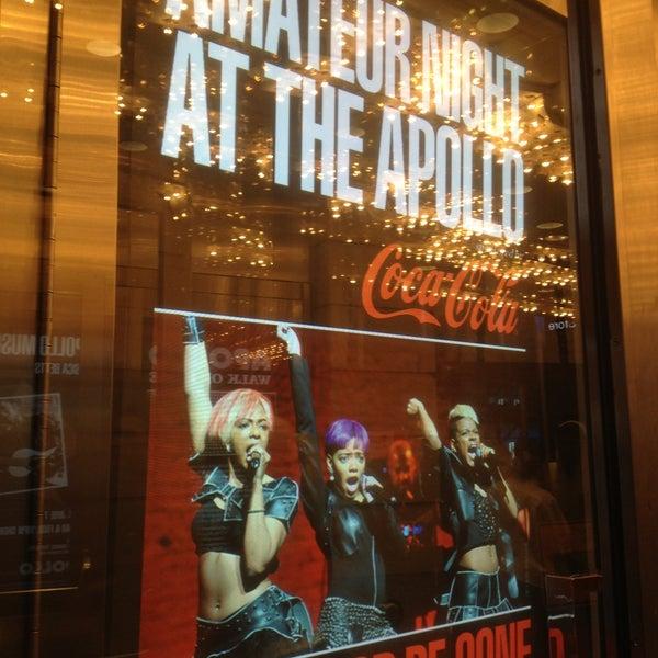 5/14/2013 tarihinde Susanziyaretçi tarafından Apollo Theater'de çekilen fotoğraf