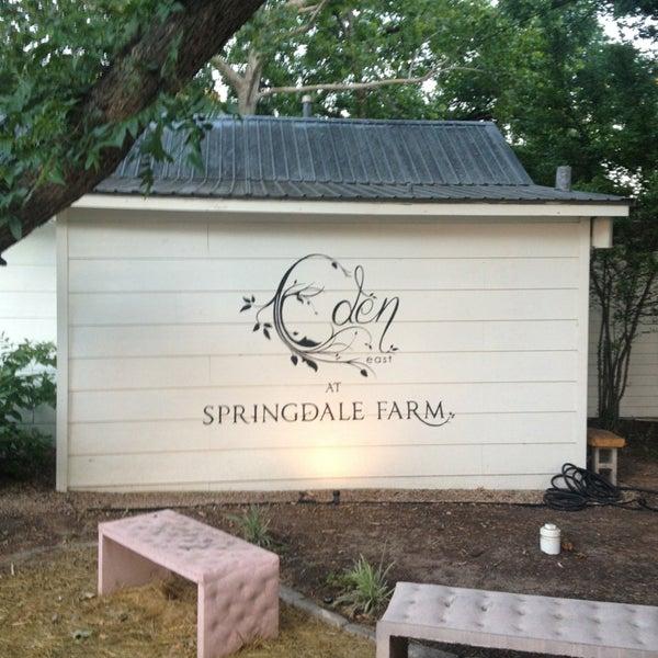 Foto tirada no(a) Eden East at Springdale Farm por Chris A. em 7/13/2013