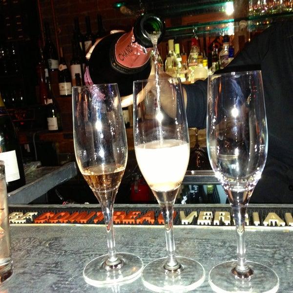 5/1/2013にBrittany D.がLes Zygomates Wine Bar Bistroで撮った写真