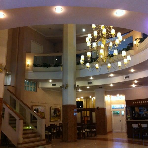 Das Foto wurde bei InterTower Hotel von Flavia G. am 1/15/2013 aufgenommen