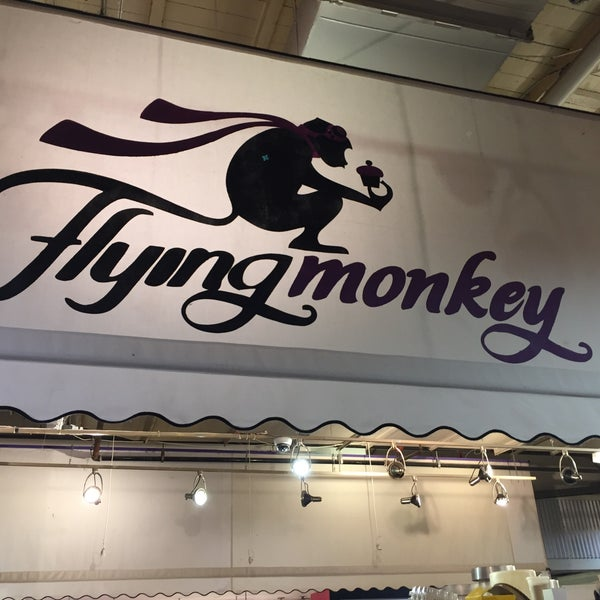 Das Foto wurde bei Flying Monkey Bakery von Melissa am 5/9/2017 aufgenommen