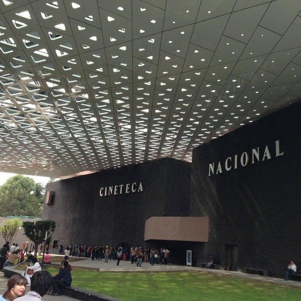 Foto tomada en Cineteca Nacional por Thalía V. el 6/26/2013