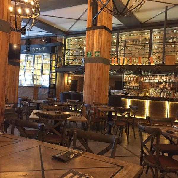 Excelente restaurante. La calidad de la comida es realmente buena. Los precios muy accesibles y el lugar es espectacular.