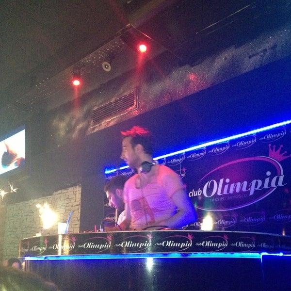 รูปภาพถ่ายที่ Olimpia V.I.P Club โดย zuzu y. เมื่อ 3/22/2013
