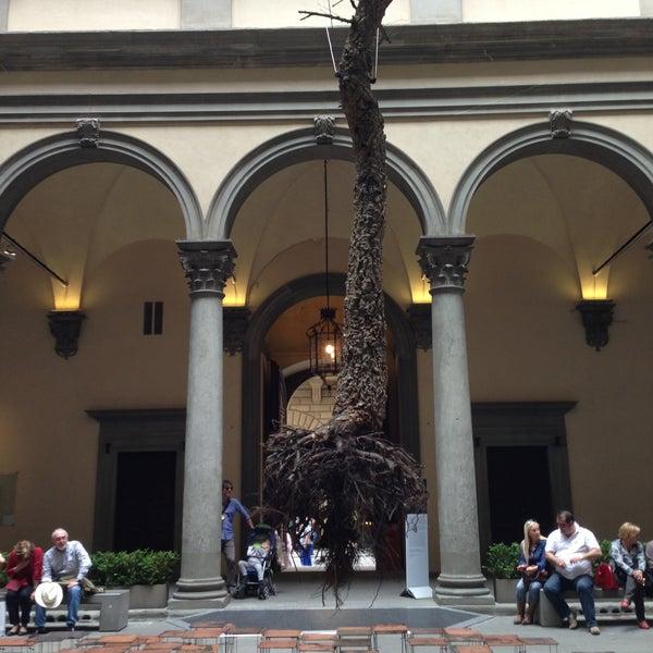 Photo prise au Palazzo Strozzi par Julia F. le4/26/2013