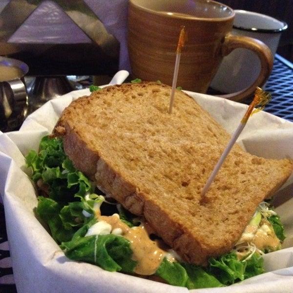 Снимок сделан в Casasola Café & Brunch пользователем Tere L. 1/4/2014