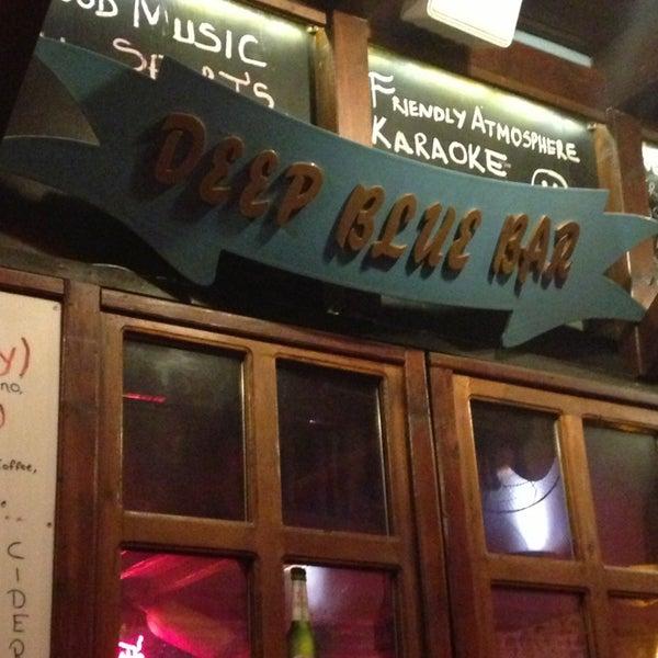 Foto tirada no(a) Deep Blue Bar por Canan Y. em 3/9/2013