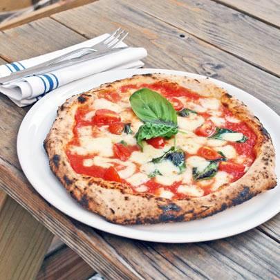 รูปภาพถ่ายที่ Sottocasa Pizzeria โดย Sottocasa Pizzeria เมื่อ 2/3/2016