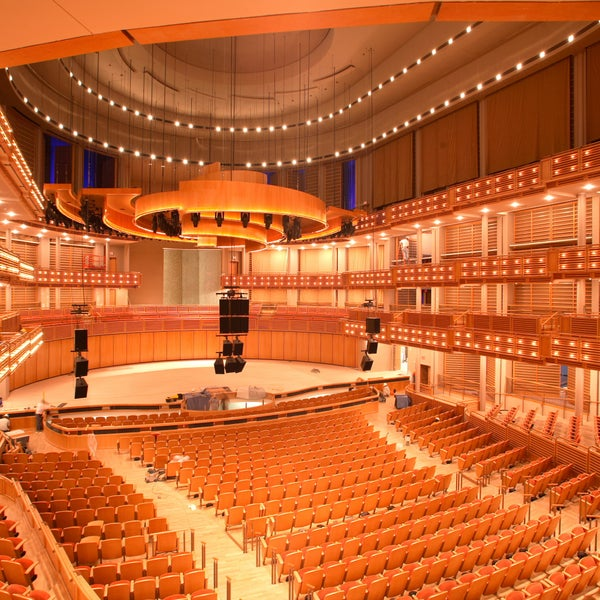 Foto tirada no(a) Adrienne Arsht Center for the Performing Arts por Adrienne Arsht Center for the Performing Arts em 3/24/2015