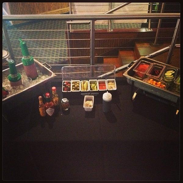8/11/2013에 Greg A.님이 Two Stooges Sports Bar & Grill에서 찍은 사진