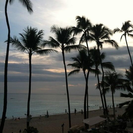 11/30/2012 tarihinde Van L.ziyaretçi tarafından Hula Grill'de çekilen fotoğraf