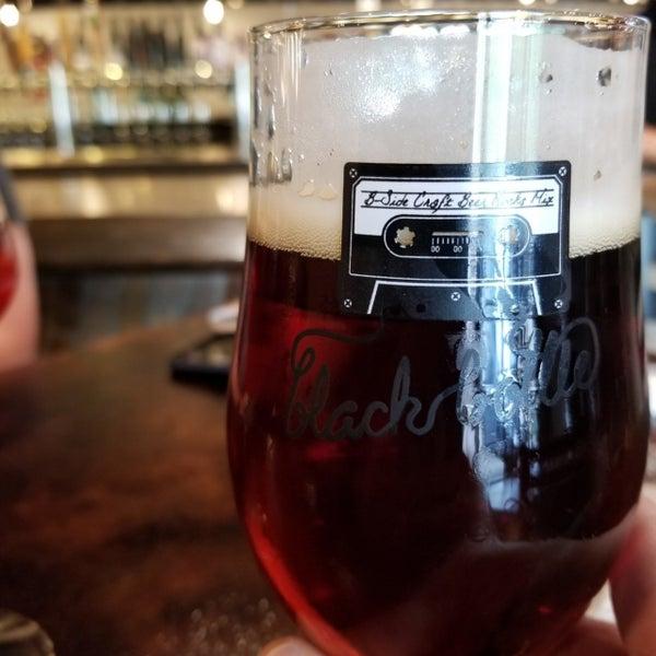 Das Foto wurde bei Black Bottle Brewery von Kurt M. am 6/4/2020 aufgenommen