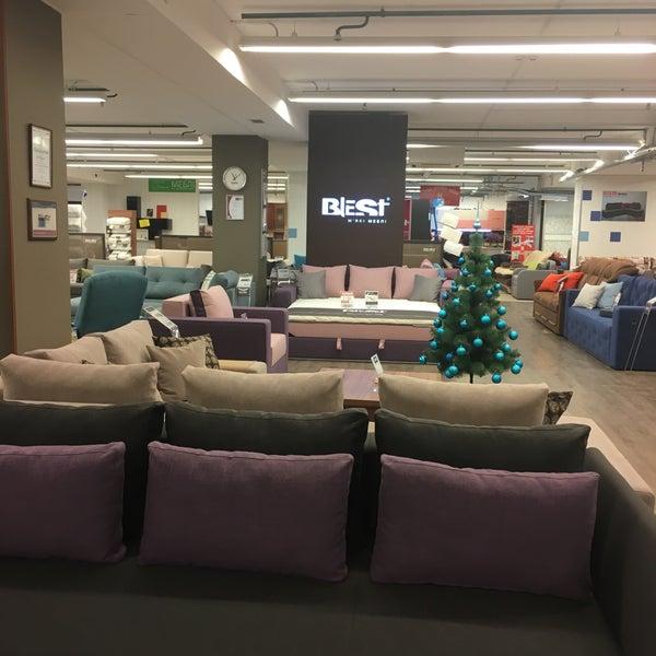 Как выбрать мебель для торговых центров