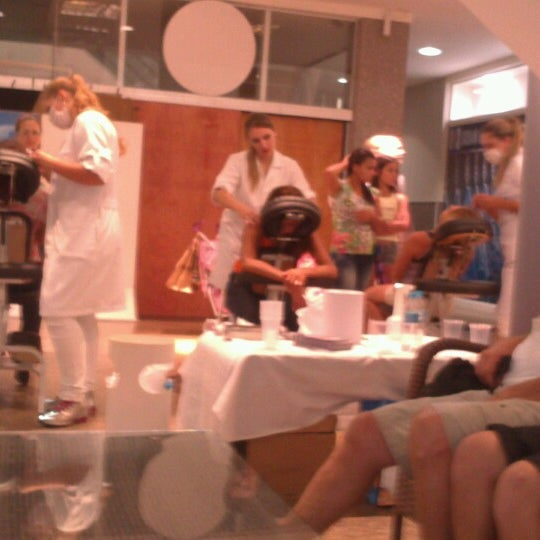 Foto tirada no(a) Itajaí Shopping Center por Carol C. em 3/9/2013