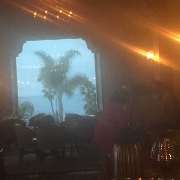 Снимок сделан в La Valencia Hotel пользователем Nikki 2/6/2017