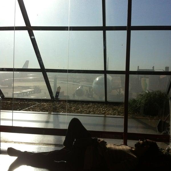 7/29/2013 tarihinde Bruno D.ziyaretçi tarafından Aeroporto Internacional de Brasília / Presidente Juscelino Kubitschek (BSB)'de çekilen fotoğraf