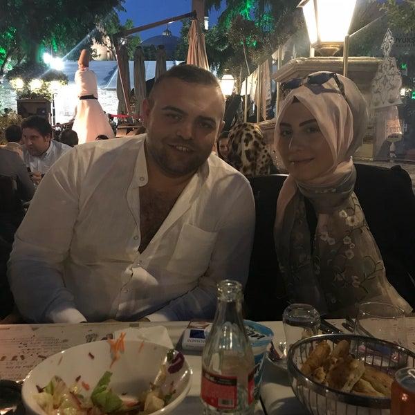 6/1/2018 tarihinde Ömer E.ziyaretçi tarafından Mihri Restaurant & Cafe'de çekilen fotoğraf