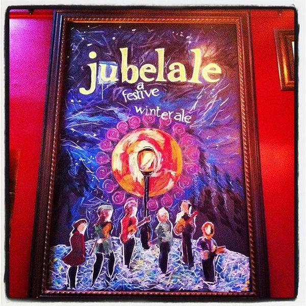 Foto tomada en Deschutes Brewery Portland Public House por Mike W. el 10/12/2012