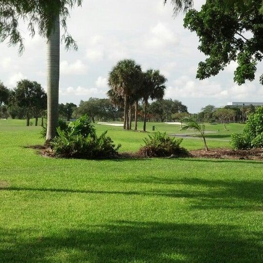 Das Foto wurde bei Palmetto Golf Course von Ron G. am 6/15/2014 aufgenommen