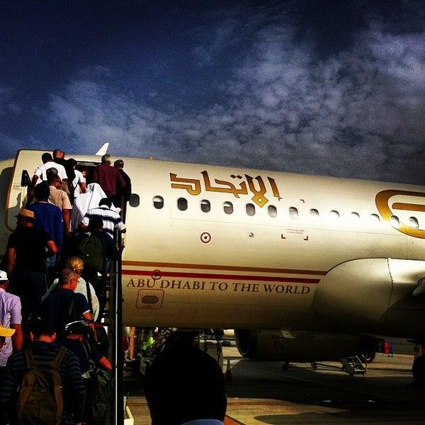 Photo prise au Abu Dhabi International Airport (AUH) par Rawan G. le4/19/2013