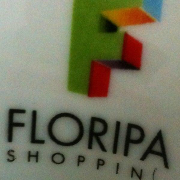Foto tirada no(a) Floripa Shopping por Pedro Henrique F. em 5/24/2013