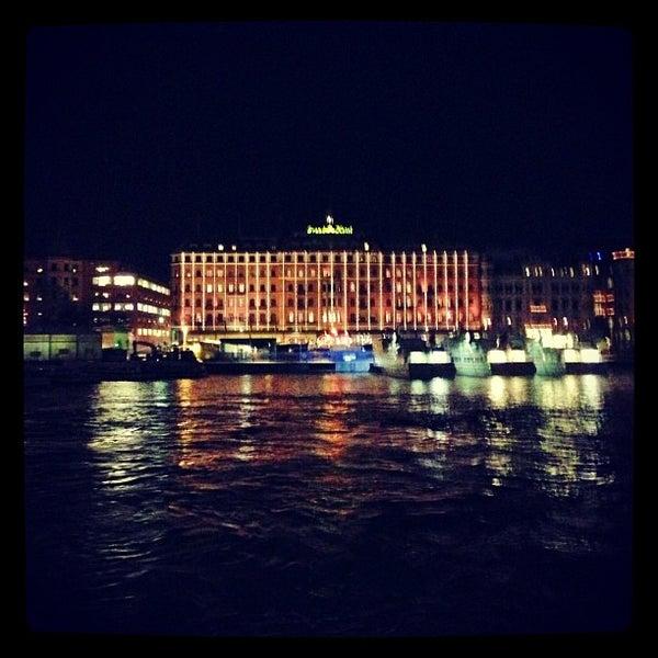 Foto tirada no(a) Grand Hôtel Stockholm por Charlie A. em 12/2/2012