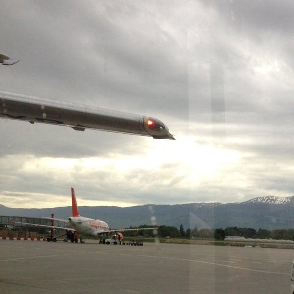 Photo prise au Aéroport de Genève Cointrin (GVA) par Альбина Г. le5/8/2013