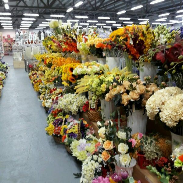 Цветы оптом на пражской