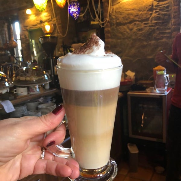 4/12/2018에 Üzüm Cafe님이 Üzüm Cafe에서 찍은 사진