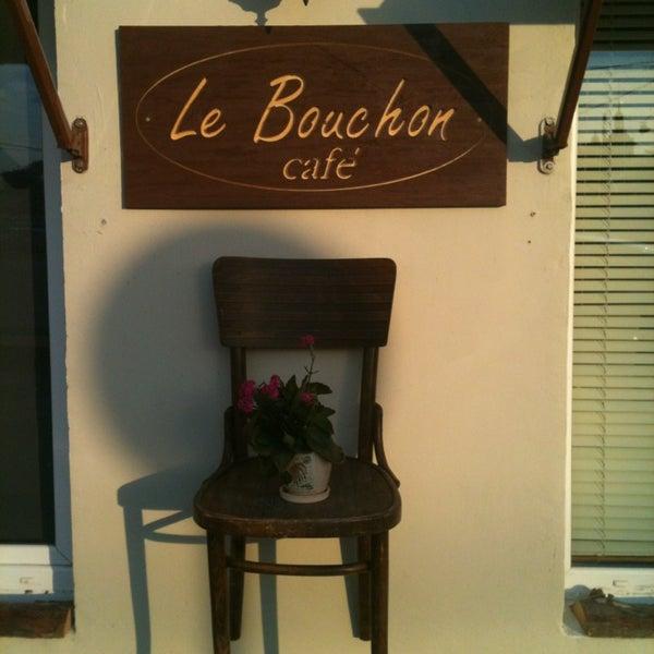 Photo prise au Le Bouchon Café par Le B. le8/18/2013