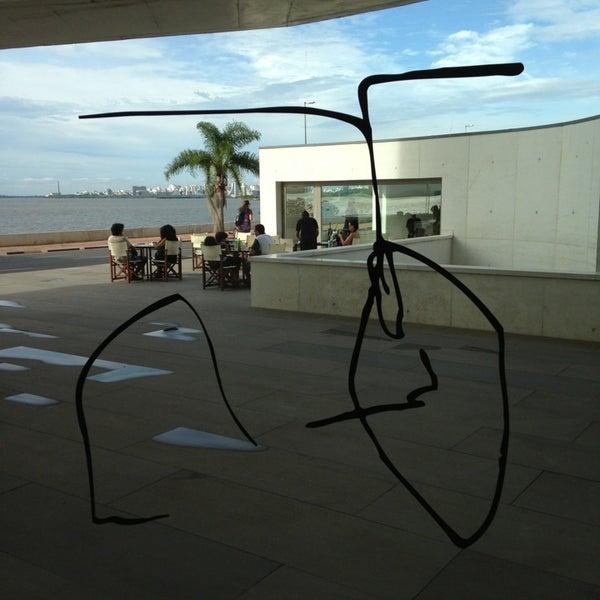 Foto diambil di Fundação Iberê Camargo oleh Robledo M. pada 2/2/2013