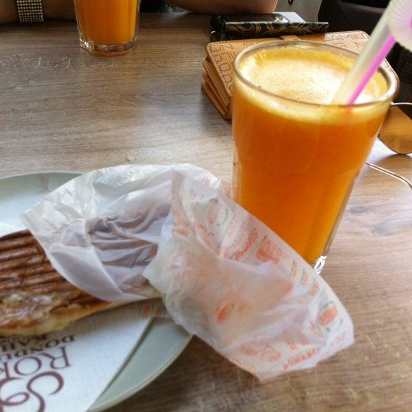 6/25/2013 tarihinde 💋👠 sarı şeker💃💄ziyaretçi tarafından Roko Dondurma & Kahve'de çekilen fotoğraf