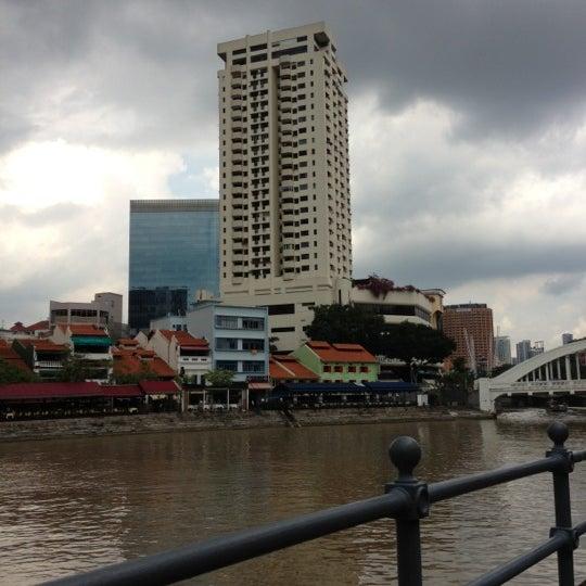 Foto diambil di Singapore River oleh ,7TOMA™®🇸🇬 S. pada 11/6/2012